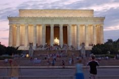 1280px-Lincolnmemorial_by_dusk